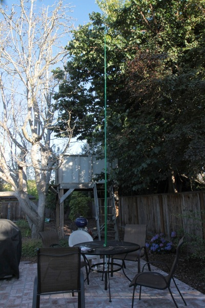 antenna mast supported by patio table